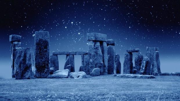 Stonehenge-at-Night