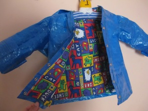 Super cool raincoat! http://www.ikeahackers.net/2013/04/kids-raincoat-from-ikea-bag.html