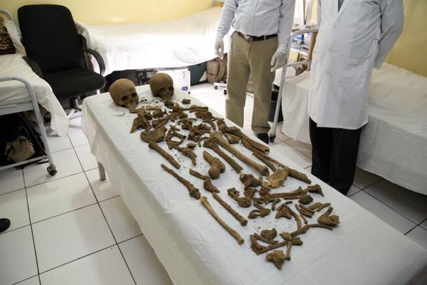 Parts of two human skeletons found at Afghan Presidential Palace October 5, 2015 (Image: Afghan Presidential Palace via AP)